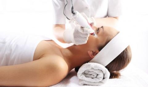Microneedling procedure for more youthful skin
